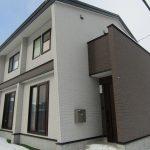 富良野市中心部に近い平成27年築の築浅物件です